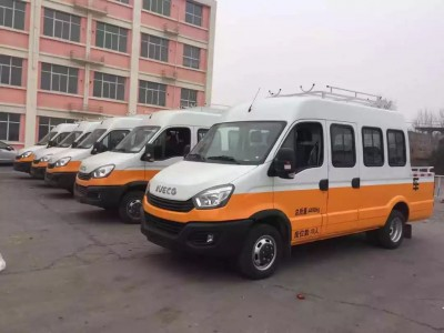 依维柯向郑州铁路局交付38辆欧胜工程车