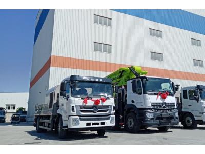 中联重科新款泵车、车载泵交付天津客户