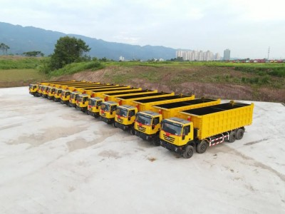 重庆凯瑞特种车30台自卸车驰援刚果金建设