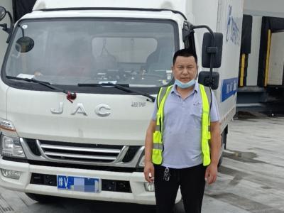 江淮冷藏车2个月跑4万公里,董师傅:中